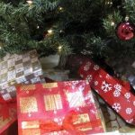 Coupon to Christmas: Tips on how to reduce your gift budget